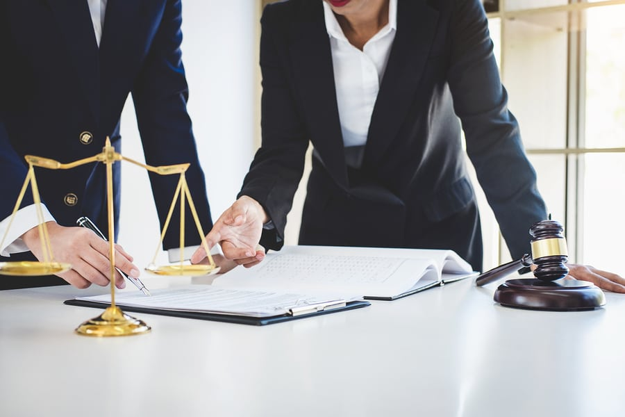 Hiring a personal injury attorney in NY: Discuss these points